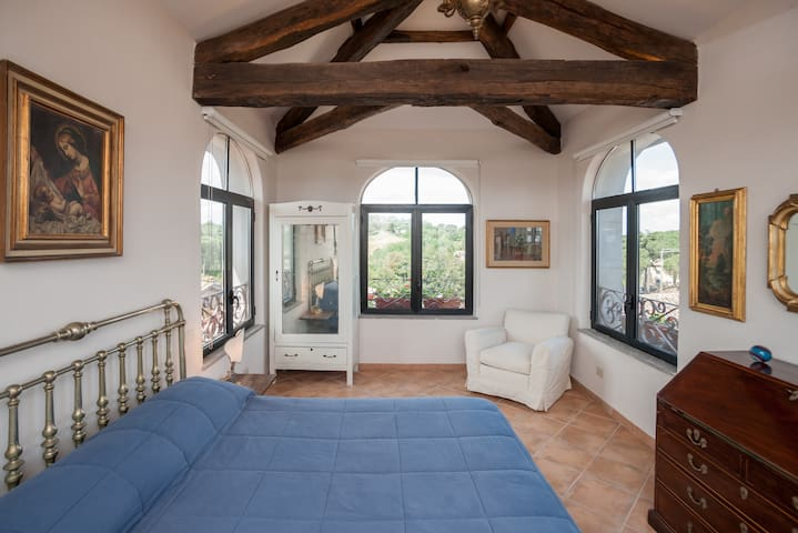 Exclusive attic - Historic Centre - Sutri - Daire