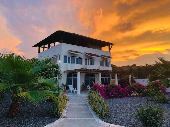 Casa Tropical