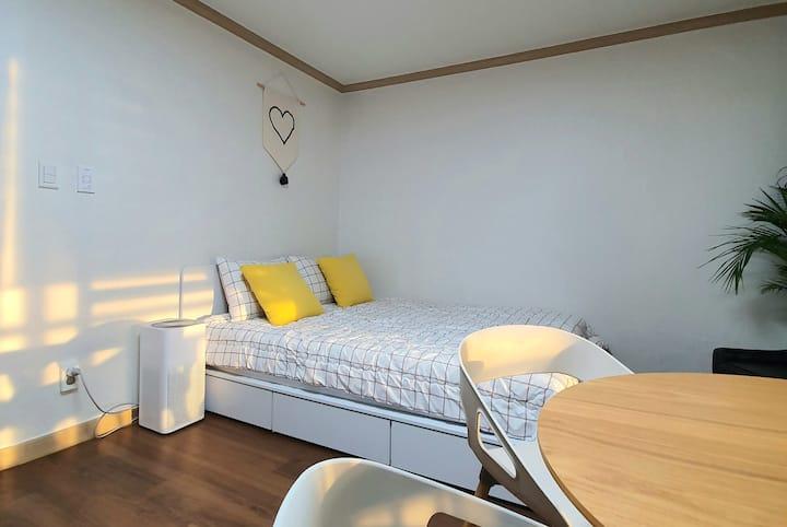 평촌역, 4분거리 가족들이 선호하는 방이 2개 있는 깔끔한 새로수리한 아파트