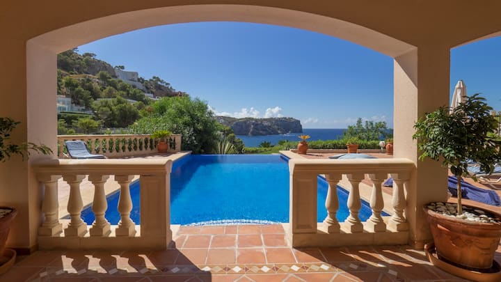 VILLA MORAGUES with AMAZING VIEWS
