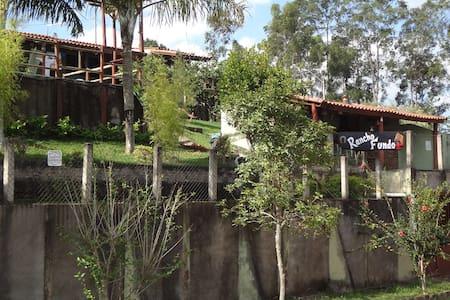 Casa de Campo - Lago de Furnas - Alterosa - MG