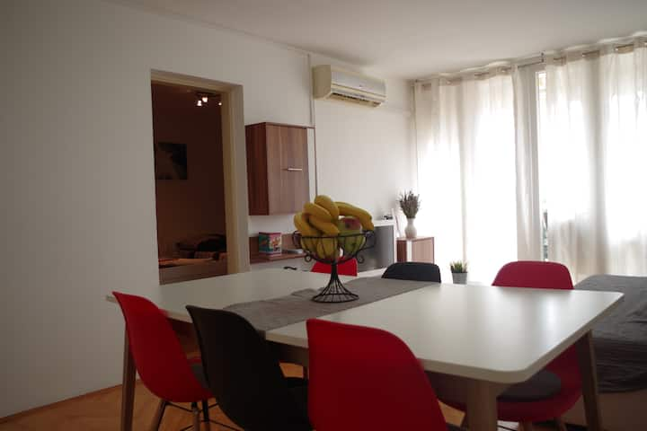 Apt Mare for 6 pax -300m from Amphitheater