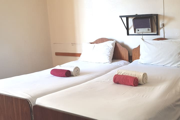 Plaza Hotel - Double Room with ensuite (101)