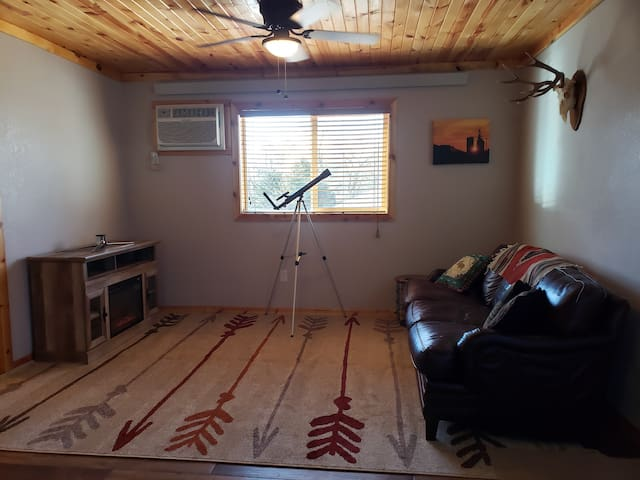 Cozy Cacins 2 bdrm, 3 bed, laundry, fncd pvt yard!