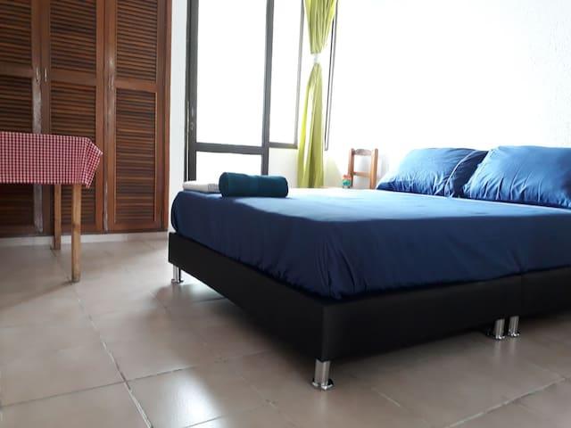 - Spacious Private Room near GHL Hotel -