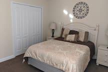 Family Bedroom 5 star resort near Disney/Universal