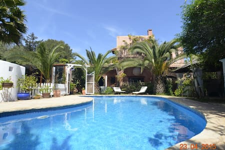 Town & Country Villa Walking distance to town. - Santa Eulària des Riu
