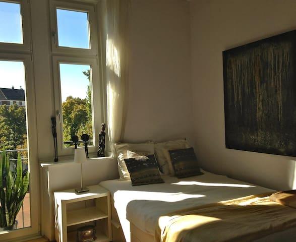 Oberkassel - Altbauwohnung mit Charme