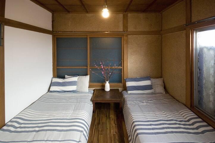 101 Room (Private Area)