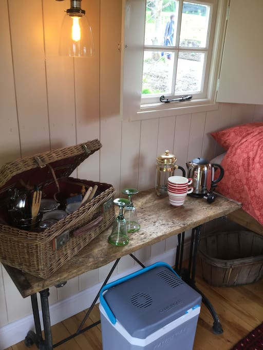 Kettle, coffee maker, electric cool box, plates etc