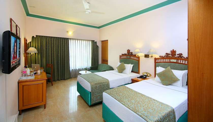 Royal Superior Double Room With Buffet Breakfast
