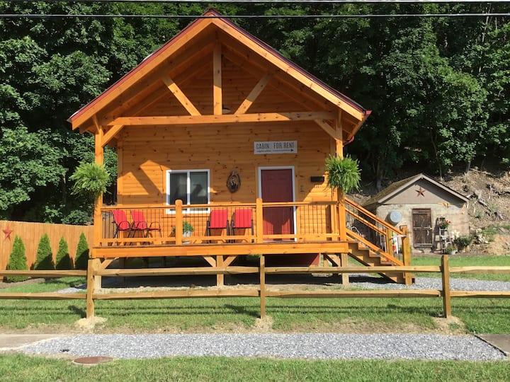 Mason Jar Cabin Rustic mountain getaway
