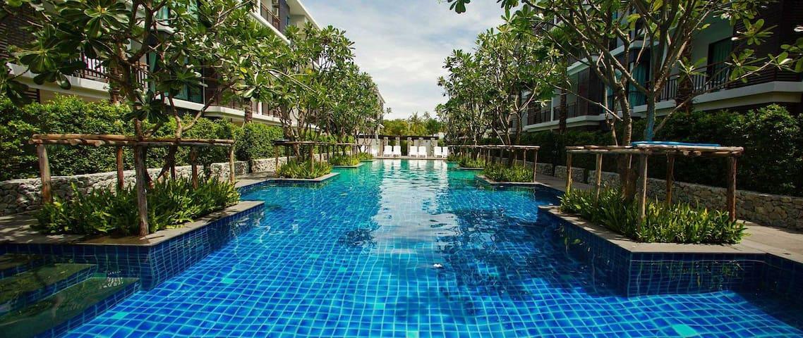 Luxury studio on Rawai Beach - gym, sauna & 3 pools! - Rawai - Lägenhet