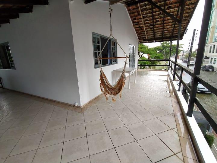 Casa aconchegante na Meia Praia - Itapema - SC