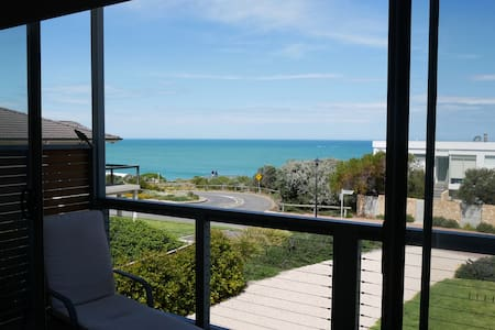 Port Elliot Boomer Beach House with ocean view