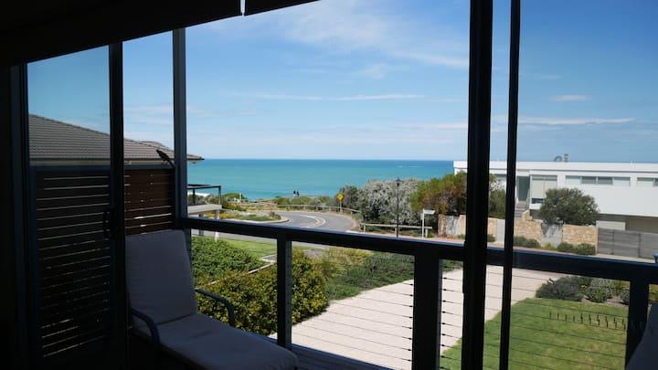 Port Elliot Boomer Beach House with ocean view
