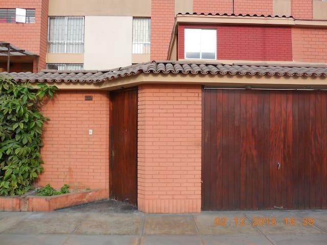 New 1 Room Flat in Lima, San Borja - San Borja - Řadový dům