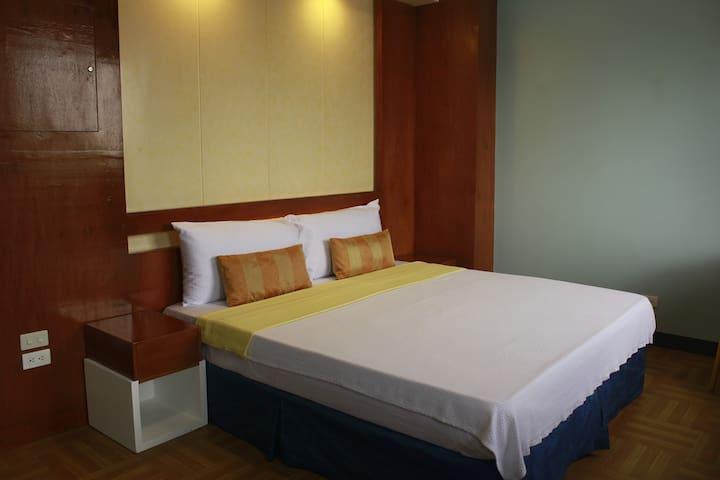 Leesons Residences Malate Manila-King Room Promo - Manila - Appartement