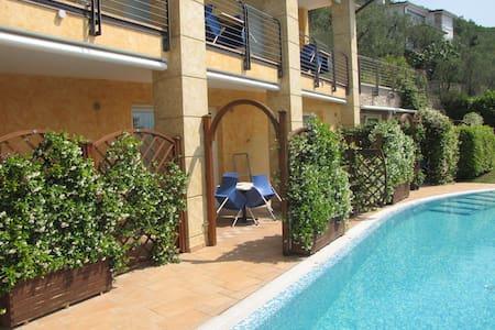 Studio am Pool mit Seeblick YEAH! - Brenzone sul Garda