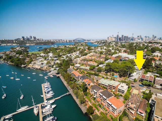 Free Standing One Bedroom Apartment in Balmain