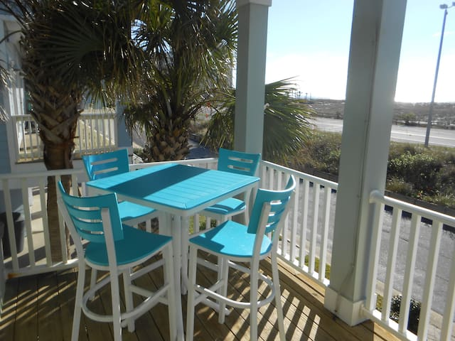 Enjoy a gulf view on east side of front porch