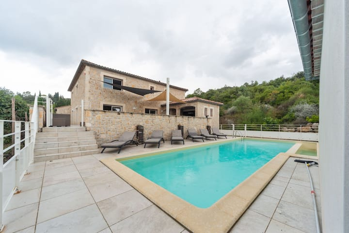 Opulent Villa with High-End Kitchen and Pool in Saint-Ambroix
