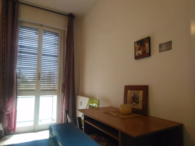 PRIVATE ROOM.per 1 o 2 persone in Bologna Fiere