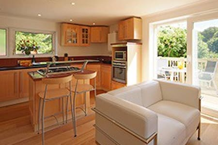 Suncot Apartment - Estuary Views! - Salcombe - Apartamento