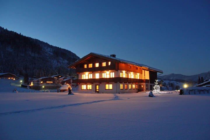 """""""Alpine Suite Achensee"""" im Berghof DAS Ferienhaus"""