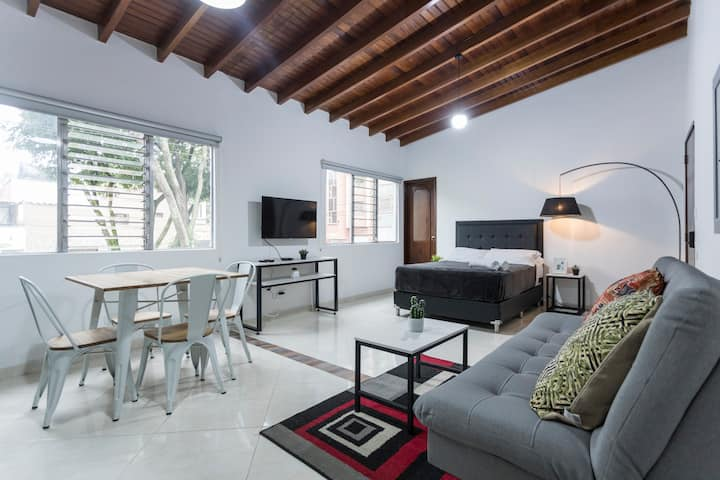 ☆Self Check-In ☆150Mb WiFi ☆Modern Loft Laureles ❤