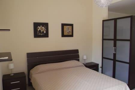 MONOLOCALE NAXOS - Giardini Naxos - Appartement