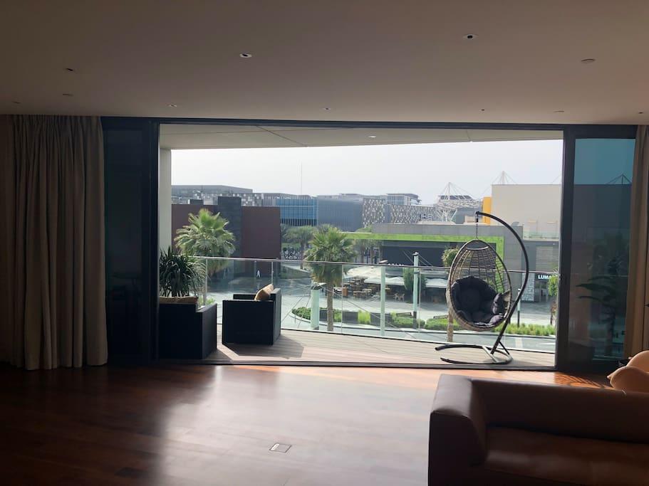 Kitchen/Living room/Balcony