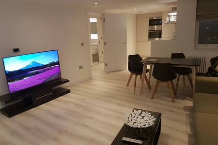 Modern stylish apartment, with view of Shard - Londres