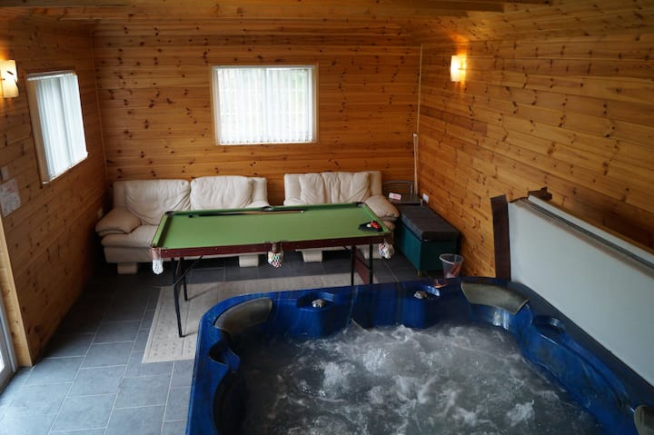 Countryside Bungalow With Private Indoor Hot Tub B Cottages For Rent In Llandysul Wales United Kingdom