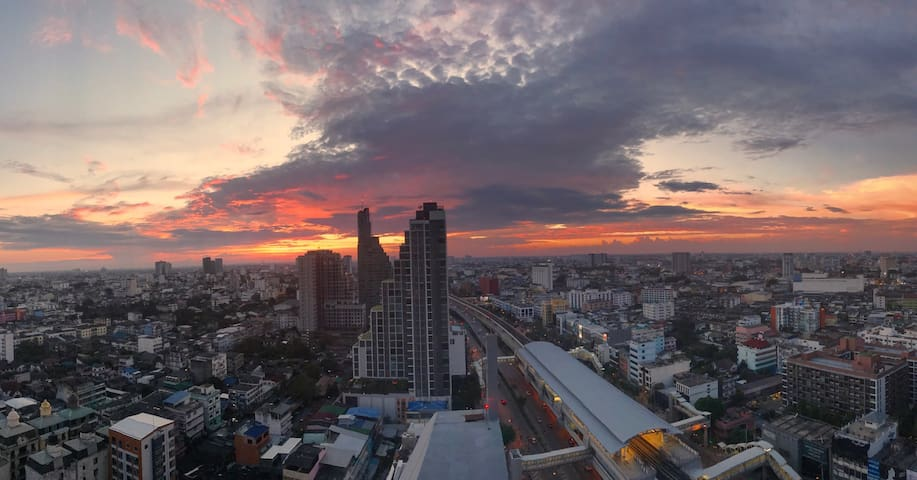 Charming corner apartment - Khlong Ton Sai - อพาร์ทเมนท์