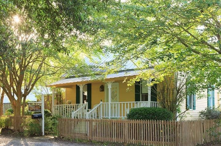 Prairie Haven Cottage - Maison D'Memoire B&B Cottages
