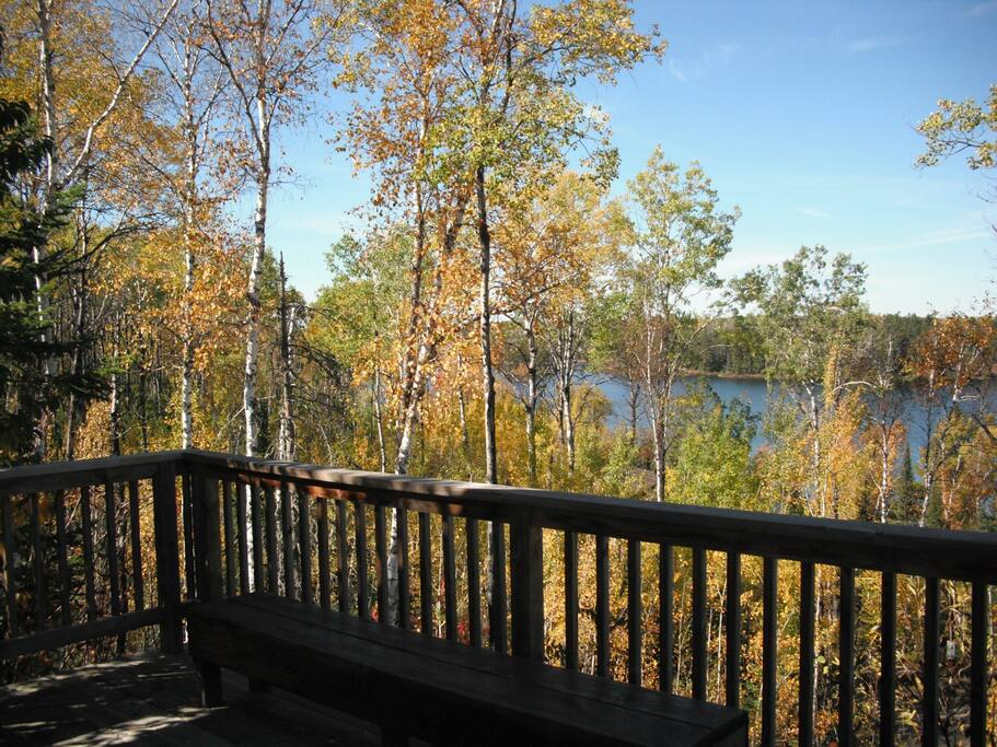 Enjoy your morning coffee from the large front deck. View during peak leaf color change!