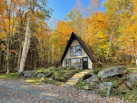 On the Rocks, a cozy cabin in the  White Mountains