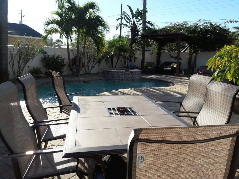 Paradise Found 2 Bedroom Suite Central St Pete Houses For Rent In Saint Petersburg Florida