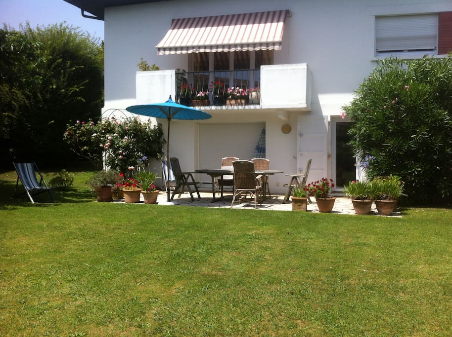 Appart t1 dans villa avec jardin proche biarritz for Mobilier anglet