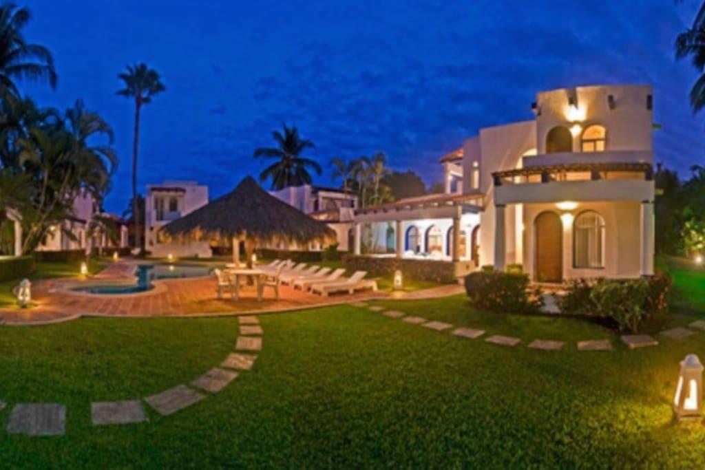 villa con alberca 4 pers club santiago manzanillo. Black Bedroom Furniture Sets. Home Design Ideas
