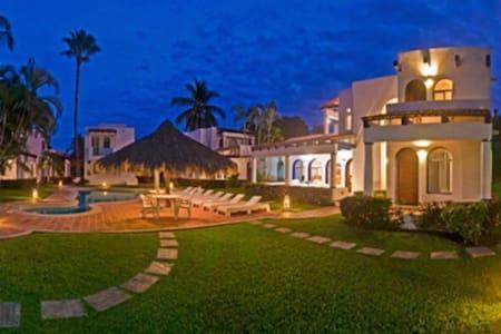 Villa con alberca 4 pers Club Santiago,Manzanillo - Manzanillo - Maison