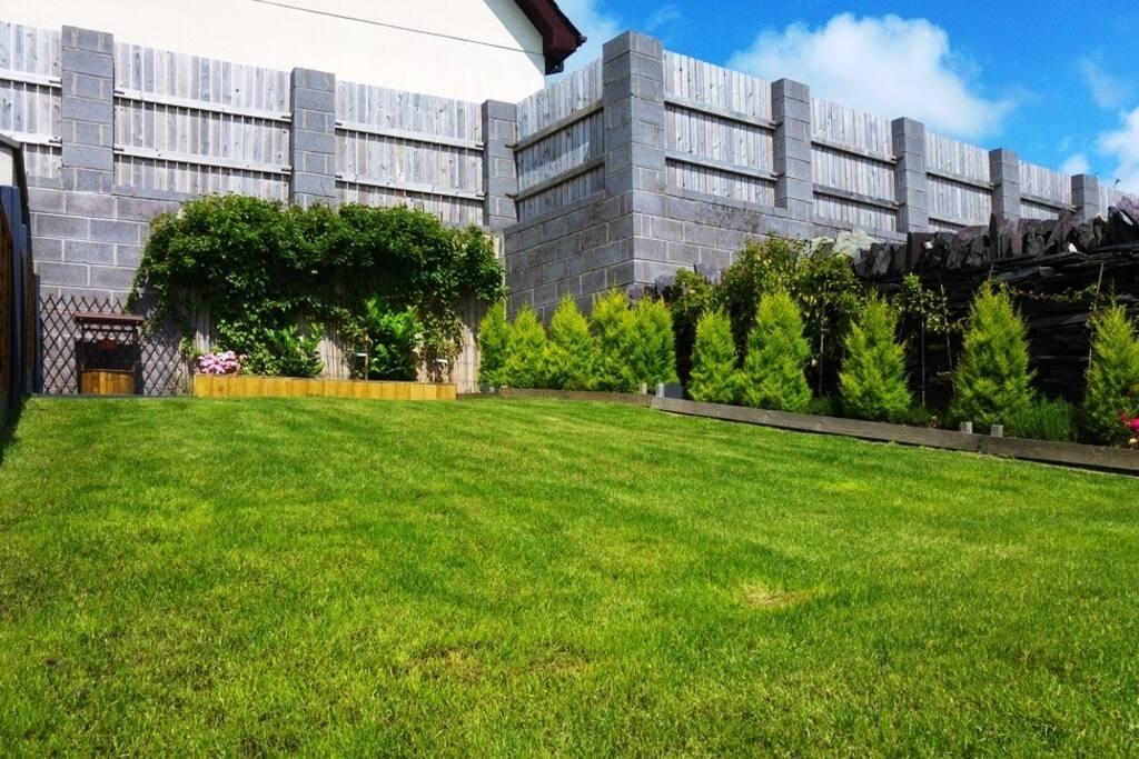Fully enclosed rear garden