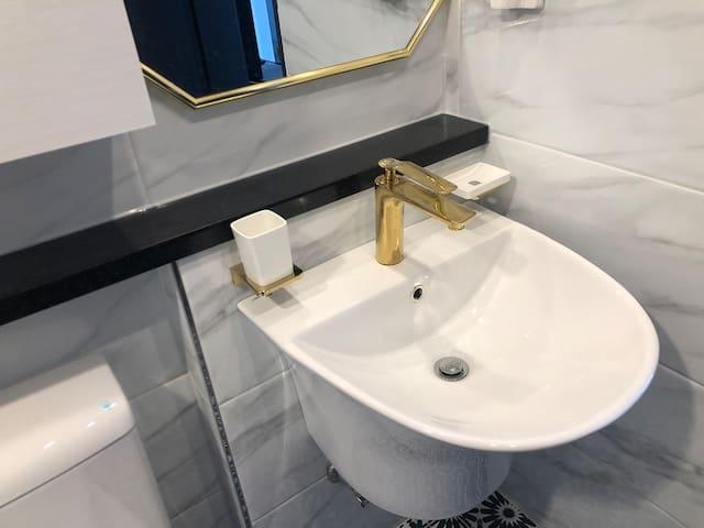 화장실 예쁘게 단장했네요