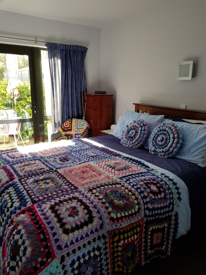 Marlin Street Home Stay Bed and Breakfast