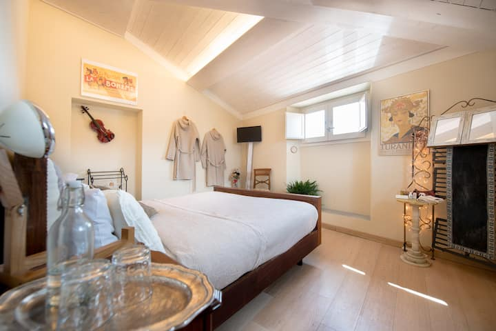 Charming Suite Puccini in the heart of Pisa
