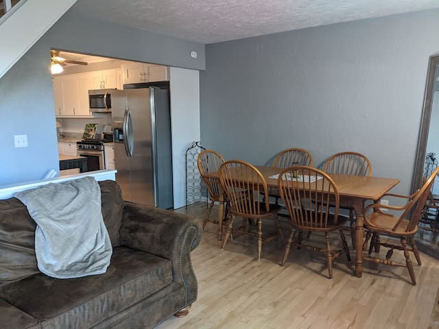 Open concept main floor with dining for 6