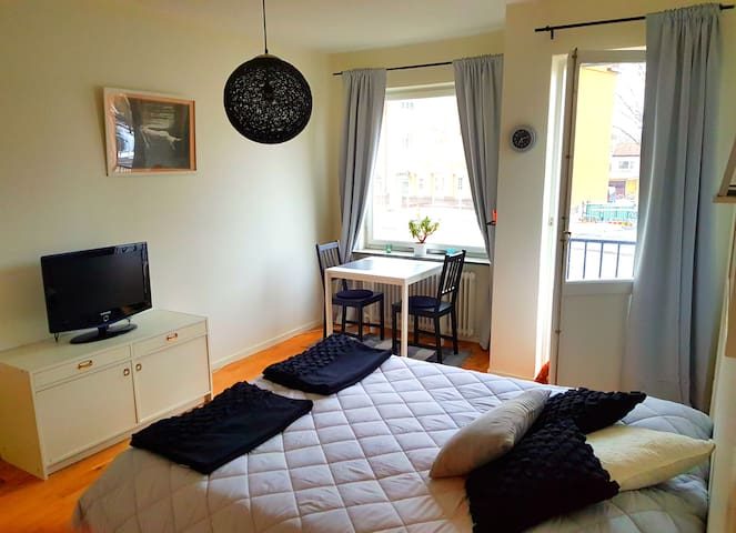 Cosy apartment close to Sthlmmässan and Sthlmcity!