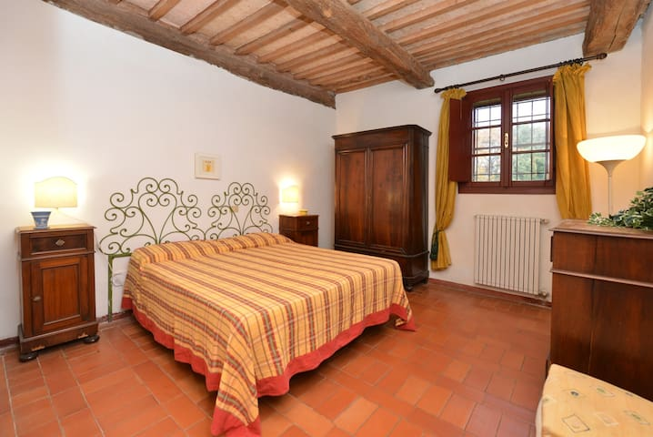 Rosa - 3 beds apartment Tuscan countryside