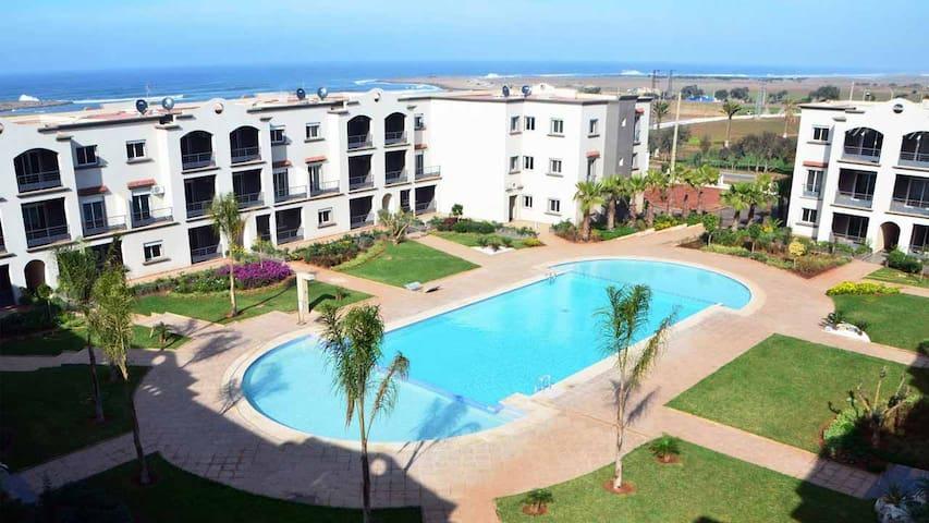 Appartement calme,agréable, piscine & vue sur mer. - El Mansouria - Huoneisto